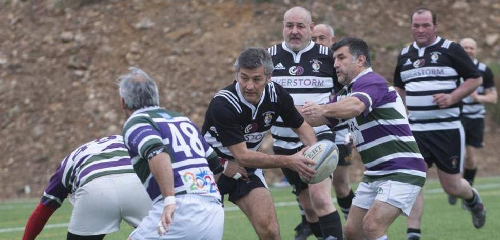 Rincón de la Victoria acoge por primera vez el Campeonato de Rugby Veterano en memoria de Manuel Becerra
