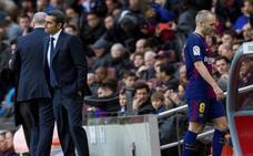 Iniesta sufre una lesión muscular y se perderá el duelo contra el Chelsea