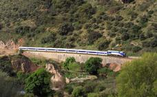 Restablecen la circulación ferroviaria entre Benaoján y Jimera de Líbar tras retirar las piedras de la vía