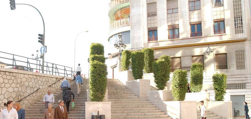 La instalación de terrazas se limitará en Carretería y Álamos cuando sean peatonales