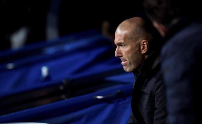 Los mediocentros de París, el dilema de Zidane