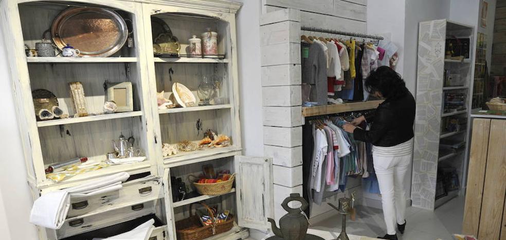 Cudeca busca voluntarios para su nueva tienda en Torremolinos