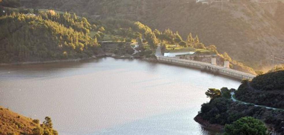 Las últimas lluvias han dejado 70 hectómetros cúbicos más de agua en los pantanos de Málaga