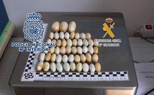 Condenado a seis años de prisión por transportar cocaína en su estómago