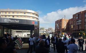La primera jornada de huelga del metro deja sólo un tercio de los trenes habituales