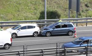 Cinco heridos en un accidente entre cuatro vehículos antes del falso túnel de Carlos Haya