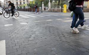 El Ayuntamiento de Málaga reconstruirá las calzadas de la plaza de la Merced ante los continuos hundimientos