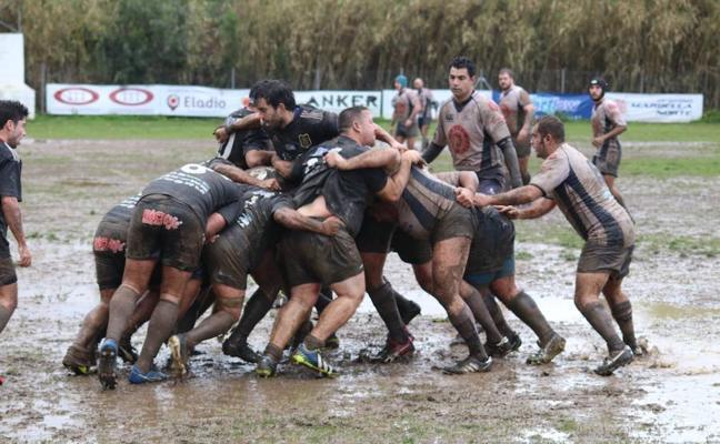 El segundo equipo del Trocadero Marbella Rugby gana por el ascenso en un lodazal