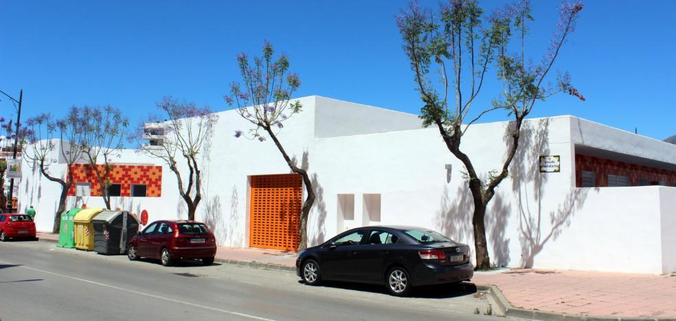 El Ayuntamiento de Estepona dotará de nuevo mobiliario a la guardería Los Pitufos