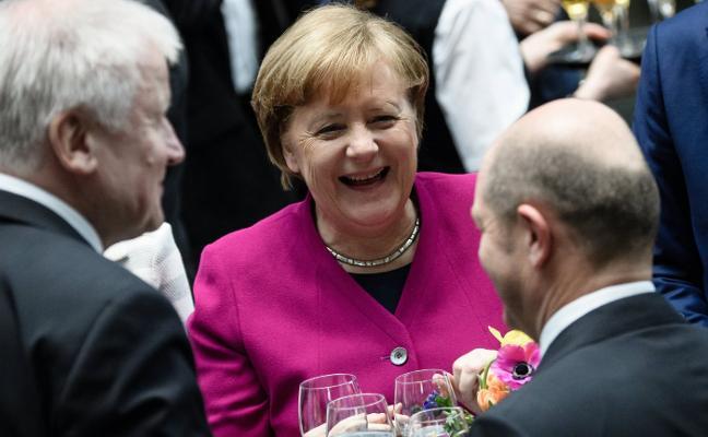 La gran coalición alemana firma su pacto