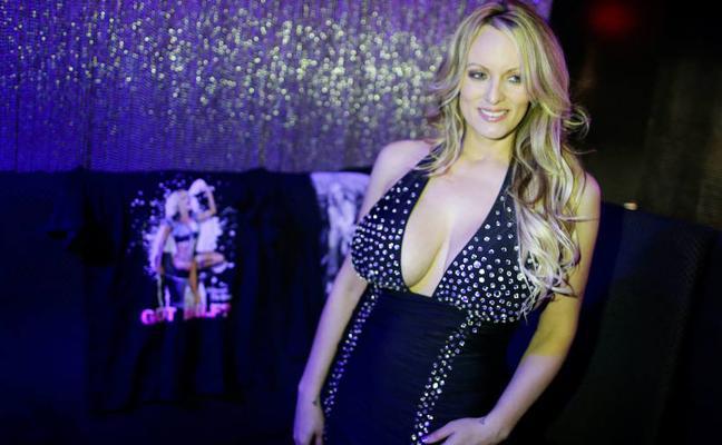 La estrella porno ofrece devolverle dinero a Trump para poder hablar sobre su romance
