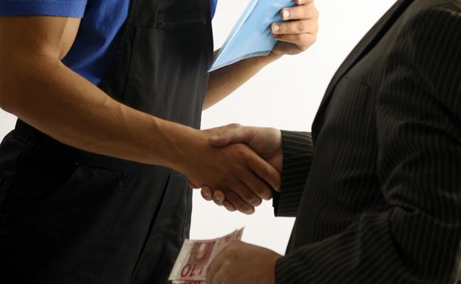 Pagar por un empleo