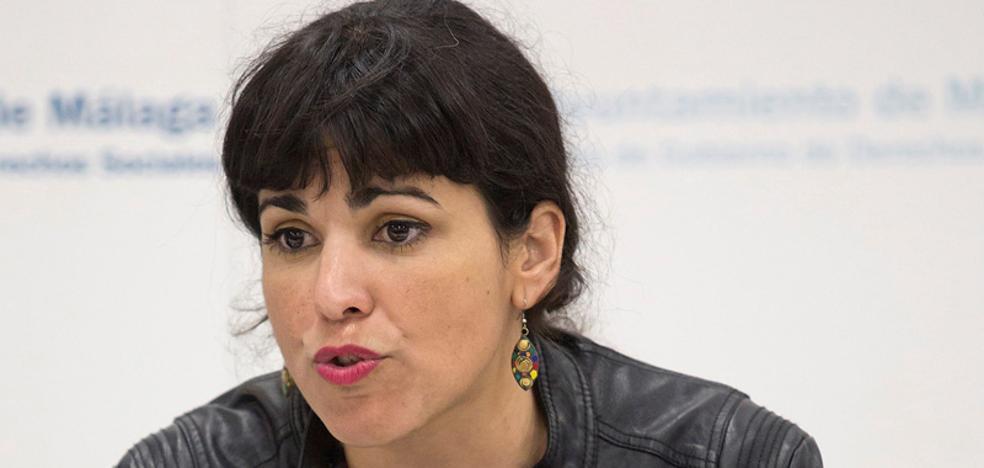 Teresa Rodríguez sigue su ruta al margen de Iglesias para unificar las marcas municipales en Andalucía