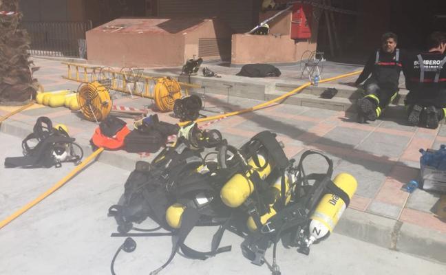 Los vecinos del edificio incendiado en Fuengirola avisaron del mal estado del cuarto de contadores