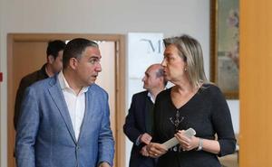 Bendodo presume de gestión económica en la Diputación