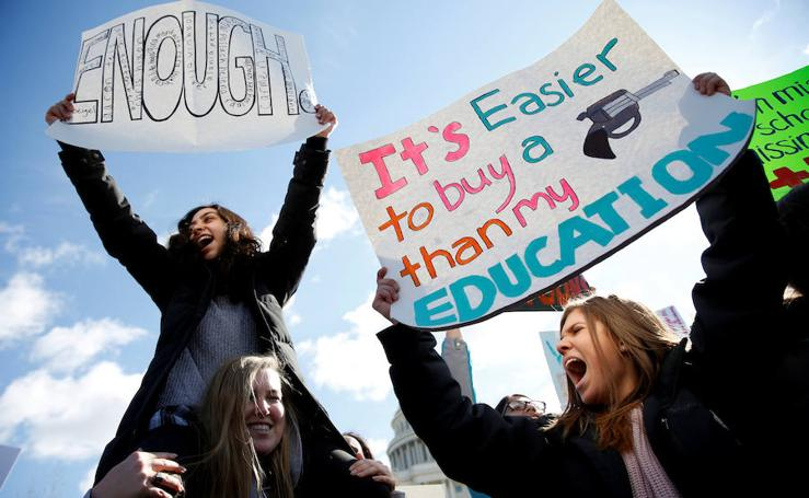Protesta de estudiantes en Estados Unidos en contra del uso de armas