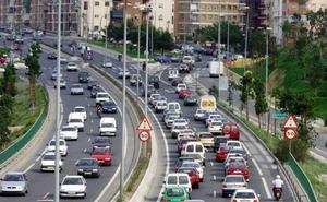 Herida una joven de 15 años y otras tres personas en una colisión múltiple en Málaga capital
