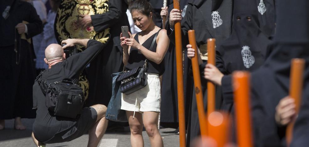 El litoral de Málaga se resentirá esta Semana Santa, mientras en el interior crecerá la ocupación