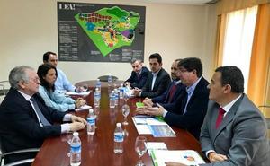 La Consejería de Fomento se compromete a proyectar la prolongación del metro en superficie al PTA