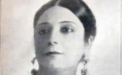 Pilar Millán-Astray: primera mujer en pregonar la Semana Santa de Málaga