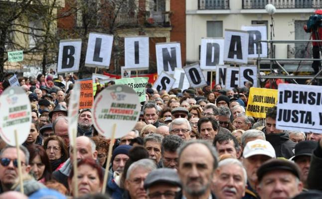 Los pensionistas toman Madrid y reclaman al Gobierno una prestación «digna»