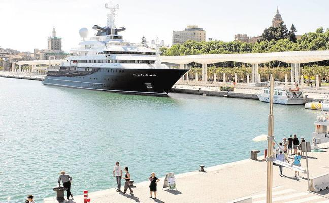 El Puerto de Málaga sacará a concurso la construcción de una marina para megayates entre los muelles 1 y 2