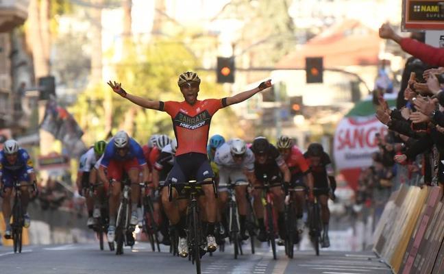 El italiano Vincenzo Nibali se lleva un triunfo histórico