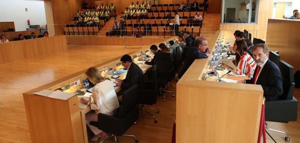 La actualidad salta al pleno de Diputación de Málaga con las pensiones, el 8M y la prisión permanente revisable