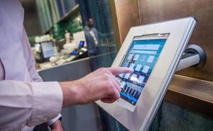 Detenidas dos personas tras encontrar a una de ellas por la señal de localización de una tablet robada en Málaga