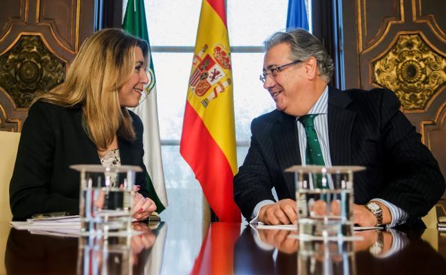 Zoido y Susana Díaz acuerdan un plan transversal para luchar contra los narcos en Campo de Gibraltar
