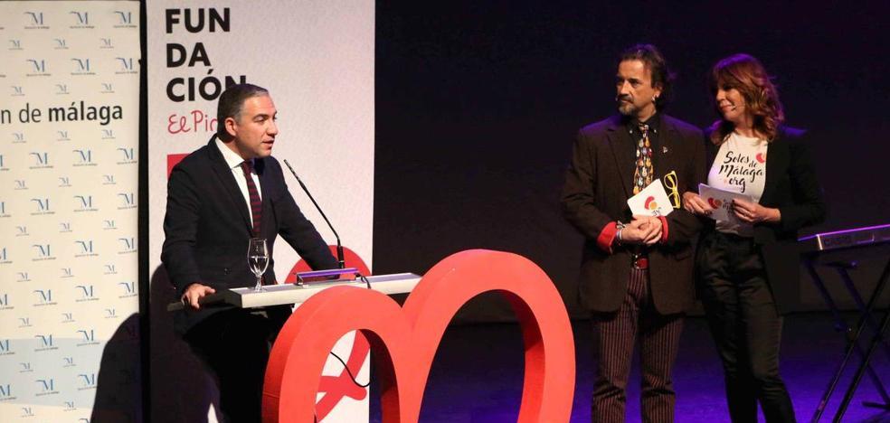 Una veintena de artistas colaboran con Los Soles de Málaga de El Pimpi