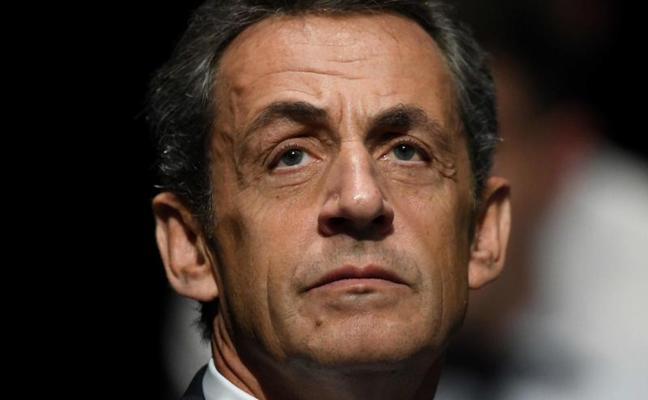 Sarkozy declara bajo arresto por sus lazos con Gadafi