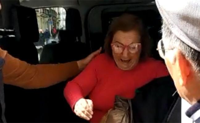 Taxistas de Málaga ayudan a un turista a encontrar a su mujer, enferma de alzhéimer