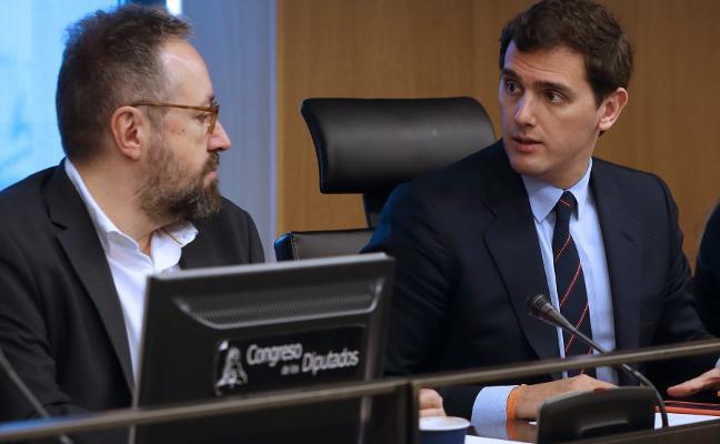 Rivera carga contra el PSOE y abandona la comisión para la reforma del Estado autonómico
