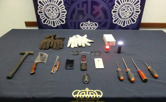 Detenido en Marbella un hombre por asaltar y robar a ciudadanos tras hacerse pasar por policía