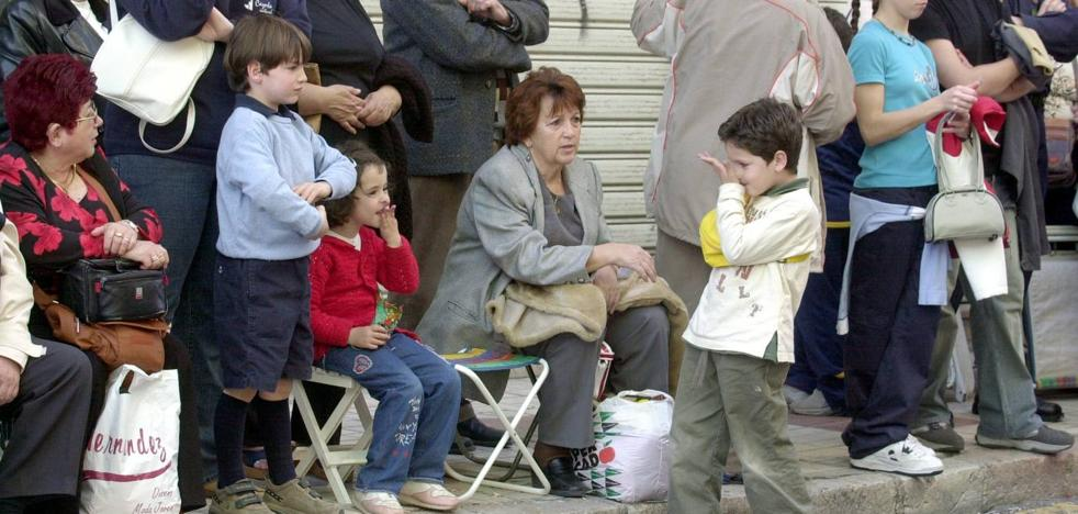 El Ayuntamiento de Málaga retirará de la calle las sillas plegables en Semana Santa