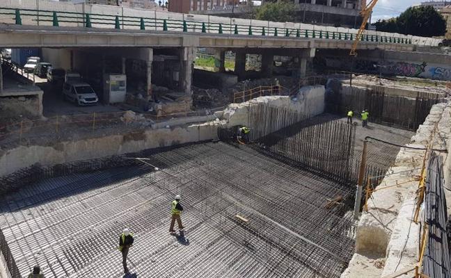 Las obras del metro avanzan en la reposición del puente de Tetuán