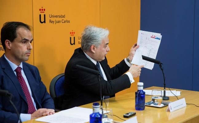 Cifuentes trata de frenar la polémica sobre su máster con documentos de la universidad