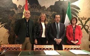 La Junta y el Ayuntamiento formalizan la cesión del Parque de Los Tres Jardines a Marbella
