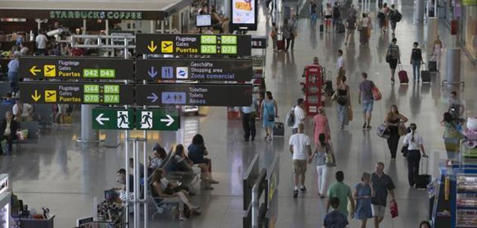 Las aerolíneas moverán más de 679.000 pasajeros en el aeropuerto de Málaga en Semana Santa