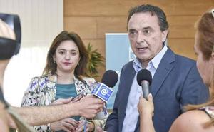 El PP denuncia al alcalde de Torremolinos por la «moción de censura encubierta» contra Del Cid