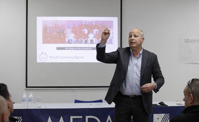 Javier Imbroda: «El éxito de un equipo u organización es una mezcla de esfuerzo y talento»