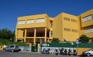 Una treintena de alumnos, padres y profesores del IES Bezmiliana de Rincón de la Victoria, intoxicados en una excursión en Sevilla