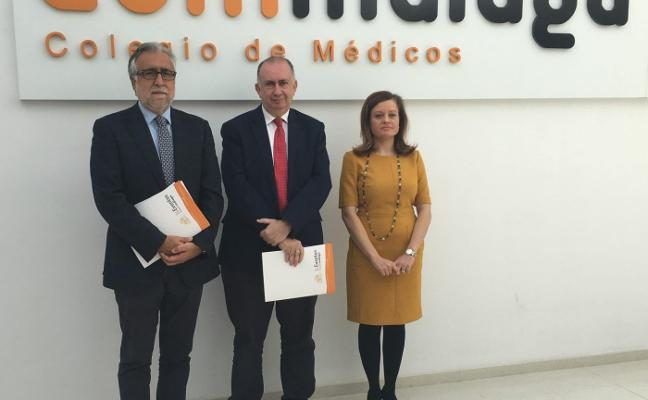 La fuga de 1.178 médicos de Málaga en 10 años acentúa la falta de facultativos