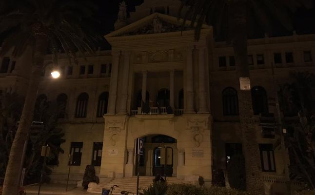 Málaga se apaga contra el cambio climático