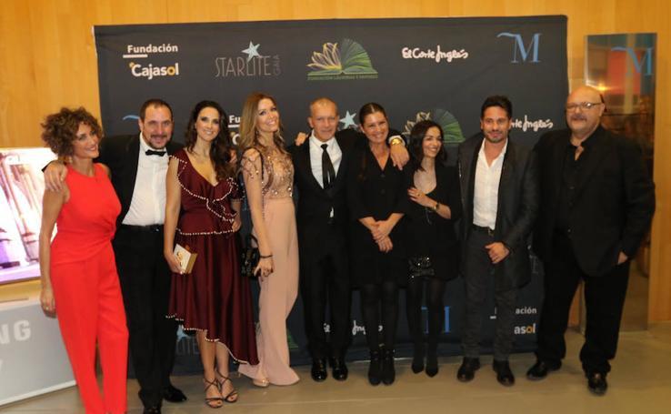 La Fundación Lágrimas y Favores, que preside Antonio Banderas, celebra su gala anual y reparte 190.000 euros entre becas para la UMA y ayudas a Cáritas, Cudeca, Corinto y el Seminario
