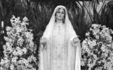 ¿Por qué a la Virgen del Rocío se le llama la Novia de Málaga?
