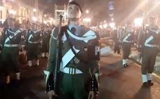 Vídeo | Los paracaidistas cantan en la Alameda en la procesión de Fusionadas