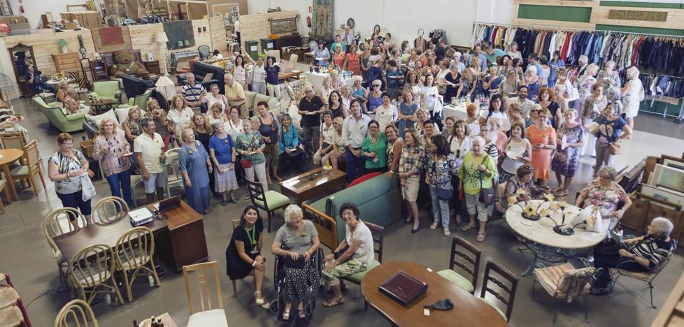 Cudeca busca voluntarios para su almacén en El Viso