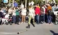 Los desafortunados malabarismos en una procesión de Alhaurín de la Torre